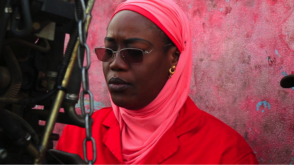 Portrait de Madame Ndèye Coumba Mboup, Fondatrice du garage «Femme Auto»