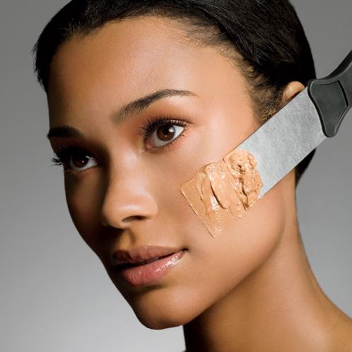 Astuces pour bien appliquer son du fond de teint et éviter l'effet plâtre