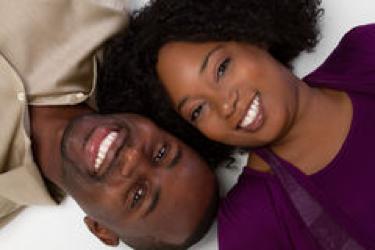 Les couples heureux auraient tendance à manger plus