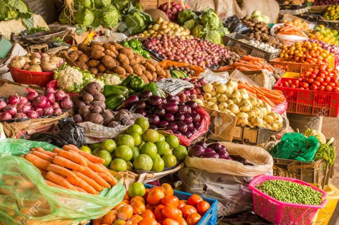 Le marché de jigguen pour la tamkharit