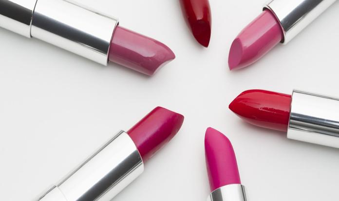 Rouge à lèvres : qu'y trouve-t-on vraiment ?